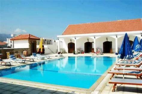 chambres d h es amsterdam altinkaya resort chypre du nord corendon vacances
