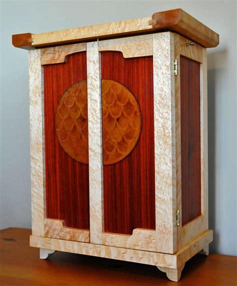 hand  arts  crafts jewelry box  heller  heller