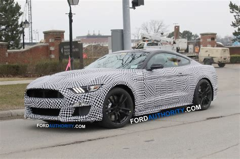 mustang shelby gt spied  manual transmission