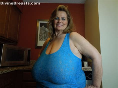 Giant Breasted Milf Sarah Lets Humongous Tits Hang Out