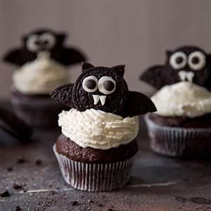 Halloween: Fledermaus Cupcakes mit Cheesecake Schock