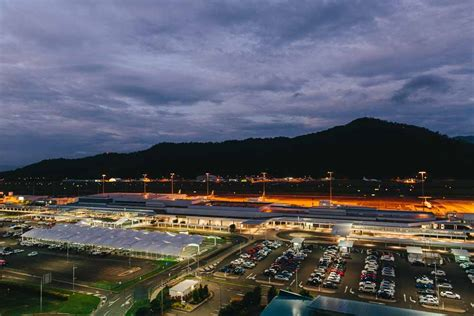 cairns airport announces  dining  drinking options