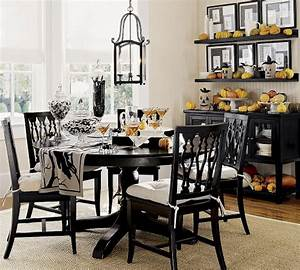 Ways, To, Decorate, Your, Dinner, Table, For, Maximum, Advantage