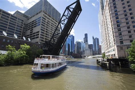 River Architecture Tour (navy Pier) Shoreline