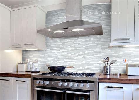 kitchen backsplash tile with white cabinets glass tile backsplash white cabinets 30 day money back