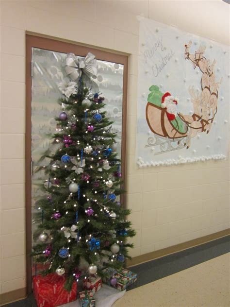 office christmas door ideas   images