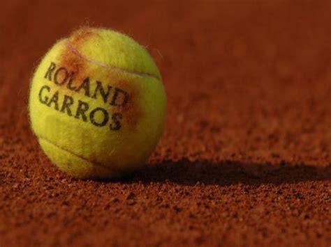 Nadal vs. Federer 2005 French Open Semi-Final - YouTube