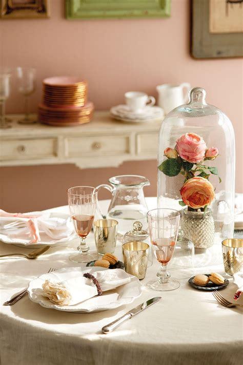 en blanco rosa  plata en  detalles  vestir la