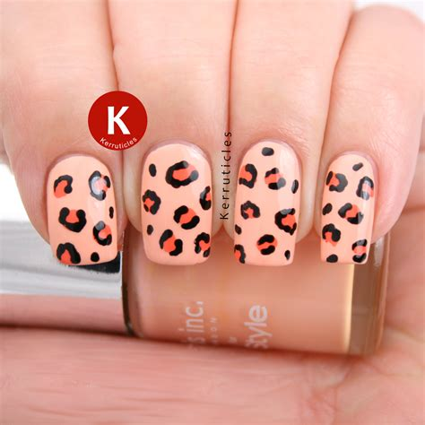 october  manicures kerruticles