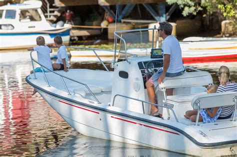 What To Look For When Buying A Boat by Imm Quality Boat Lifts