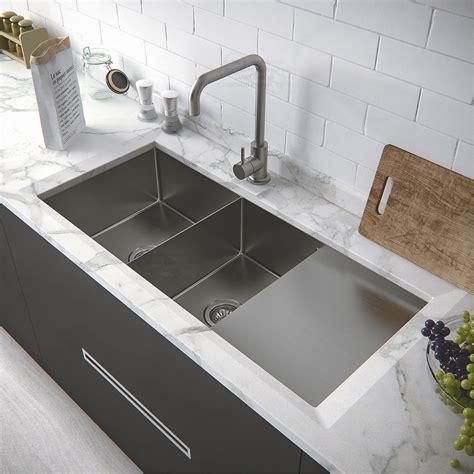 Corner Sink Kitchen With Attractive Layout To Tweak Your
