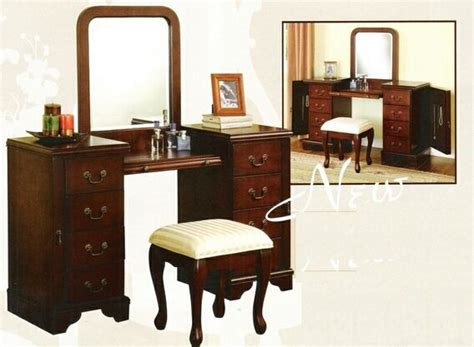 1000 images about vanity makeup table on grey walls brown furniture and bathroom