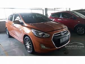 Jual Mobil Hyundai Grand Avega 2015 Limited Edition 1 4 Di