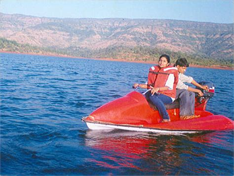 Water Scooter Fuel Consumption by Mini Speed Boats Water Scooter Manufacturer From Mumbai