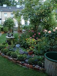 Kleiner Zaun Für Beet : beet im sommer mein kleiner reihenhausgarten ~ Buech-reservation.com Haus und Dekorationen