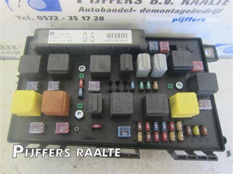 Fuse Box Opel Astra Gtc by Used Opel Astra H Gtc L08 2 0 16v Turbo Fuse Box