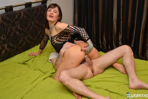 Slutty Mature French Slut Loves Anal Fisting And Ass