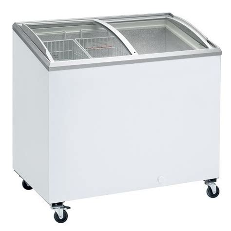 congelateur coffre 300 litres congelateur professionnel coffre porte vitr 233 e bomb 233 e et coulissantes ic 300 sceb 264 litres