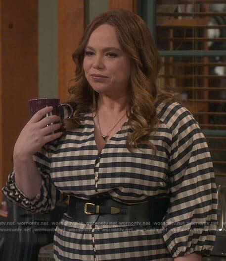 Kristin Baxter Outfits & Fashion on Last Man Standing ...