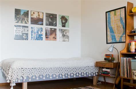 10 amazing and funky retro style bedroom ideas