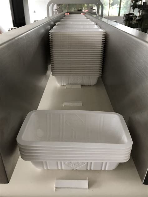 high quality screw tray denesting machine  buffer  max  traymin laispackmultihead