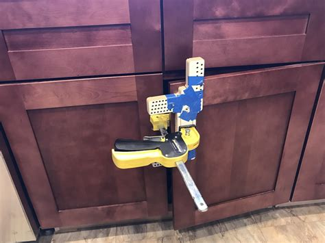 installing kitchen cabinet handles how to install kitchen cabinet hardware without coming 4737
