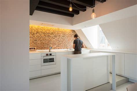 meubles rangement chambre appartement sous combles comment créer une cuisine ou un