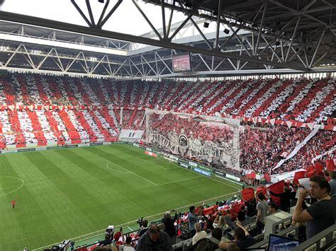"""Ein neues aber durchaus bekanntes gesicht im büro nebenan 😉. Fortuna Düsseldorf on Twitter: """"GÄNSEHAUT! Die größte #F95-Choreo, die dieses Stadion je gesehen ..."""