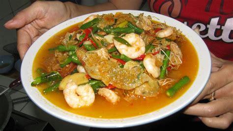 Berikut beberapa resep masakan rumahan khas indonesia yang bisa cara pembuatannya sangat mudah: Shrimp and Dried Beancurd with Bean Paste Recipe - Resep Tauco Udang Kembang Tahu - YouTube