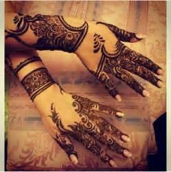 1000+ ideas about Arabic Henna Designs on Pinterest ...