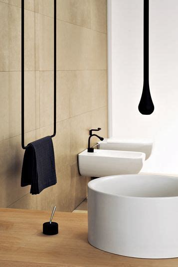 25 best ideas about hanging bath towels on towel boy bathroom stuff and shower rack