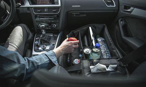 praktisches gadget im auto slotpack sorgt fuer ordnung auf