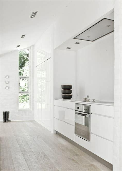 cuisine avec parquet 53 variantes pour les cuisines blanches