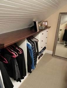 Kleiderstange Für Dachschräge : dachschr gen gestalten so richtet ihr euer schlafzimmer perfekt ein ~ Frokenaadalensverden.com Haus und Dekorationen