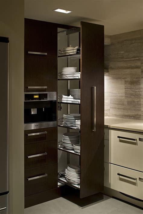 como organizar tus platos cuando hay poco espacio en tu
