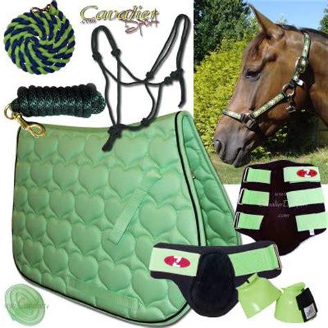 tapis cheval vert pomme tapis de selle vert le d 233 coration cot 233 maison bloguez