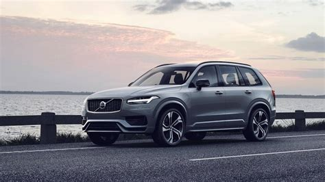 subtle  volvo xc refresh hides huge electrification
