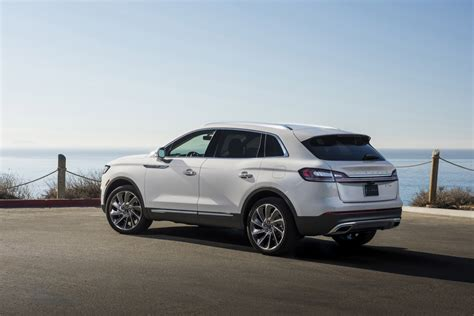 Lincoln Mkx 2019 by 2019 Lincoln Nautilus Debuts To Replace Mkx