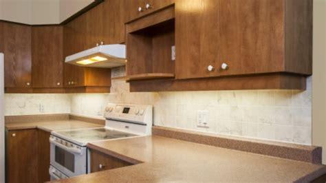 refaire sa cuisine pour pas cher un dosseret à peu de frais avec vidéos rénovation bricolage