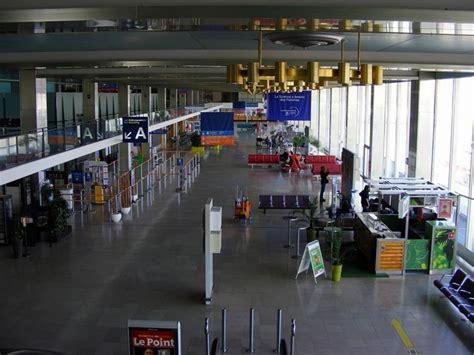 bureau de change aeroport roissy guide des a 233 roports de les pires d europe