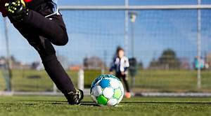 CHANGING YOUTH SOCCER: THE PAY TO PLAY MODEL - A COACH'S ...