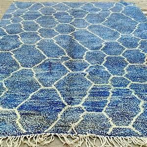 Tapis Berbere Bleu : tapis beni m 39 rirt des femmes berb res fait main en laine naturelle ~ Teatrodelosmanantiales.com Idées de Décoration