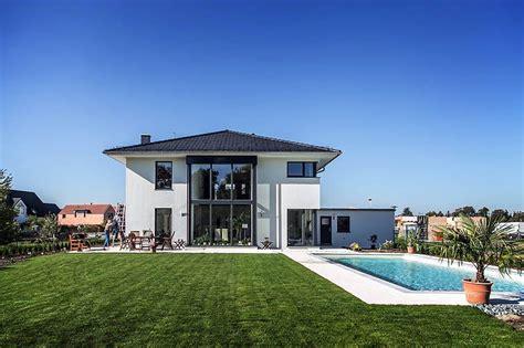 Stadtvilla Moderne Architektur Grundriss by Moderne Stadtvilla Mit Zeltdach Tauber Architekten Und