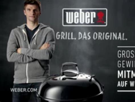 kampagne weber grill schickt thomas mueller aufs feld