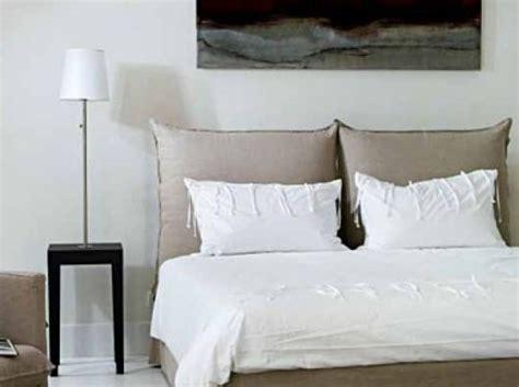 mettre corbeille sur bureau tete de lit oreiller