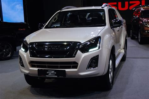 Gambar Mobil Isuzu D Max by Isuzu Launches Facelift D Max In Malaysia From Rm83k