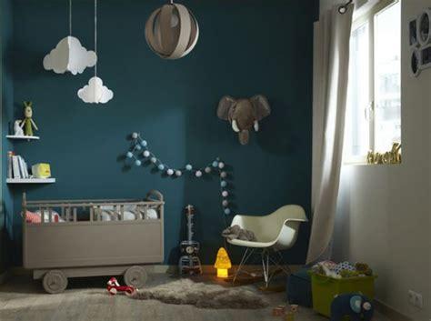 mur chambre bébé chambre bebe avec mur bleu canard chambre garcon