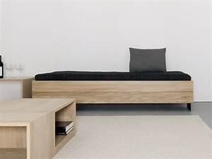 Sofa Mit Holzrahmen : sofa bett aus massivem holz iku by sanktjohanser design matthias hubert sanktjohanser ~ Markanthonyermac.com Haus und Dekorationen
