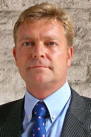 MP for Sandwich Craig Mackinlay and Dover and Deal MP ...