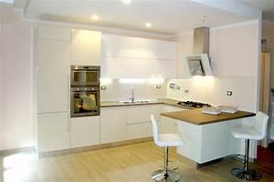 Cucine Moderne Con Penisola Cucina Moderna In Legno Con Isola Adele Cucine Lube With Cucine